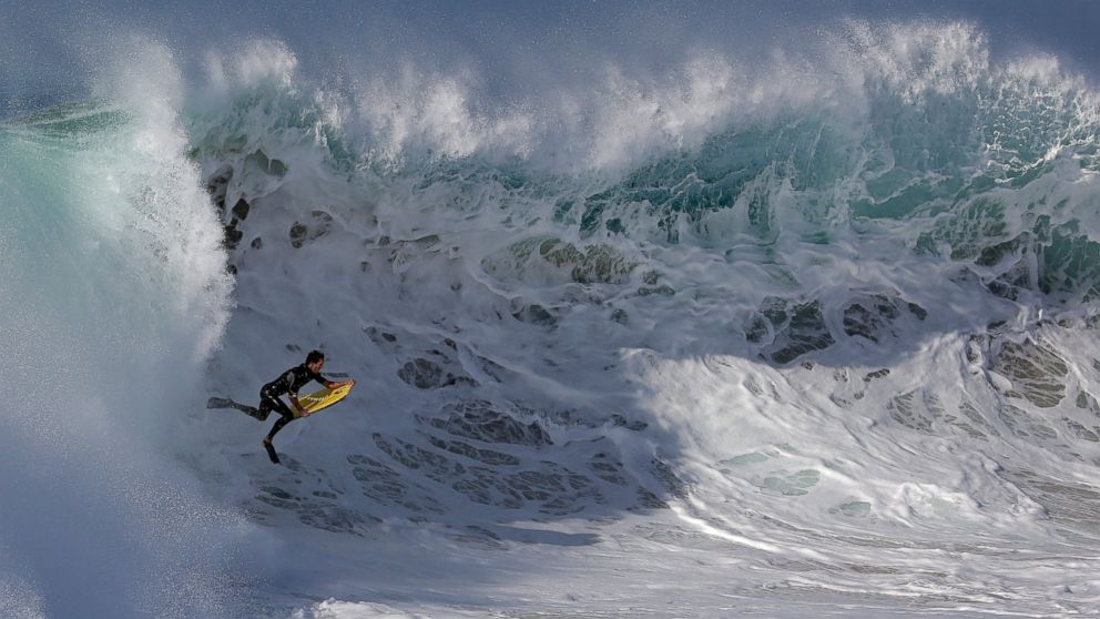 2010 || RESEN WAVES ACQUIRE WAVE ENERGY IP FROM SURFER CHRIS OLSON, TEXAS